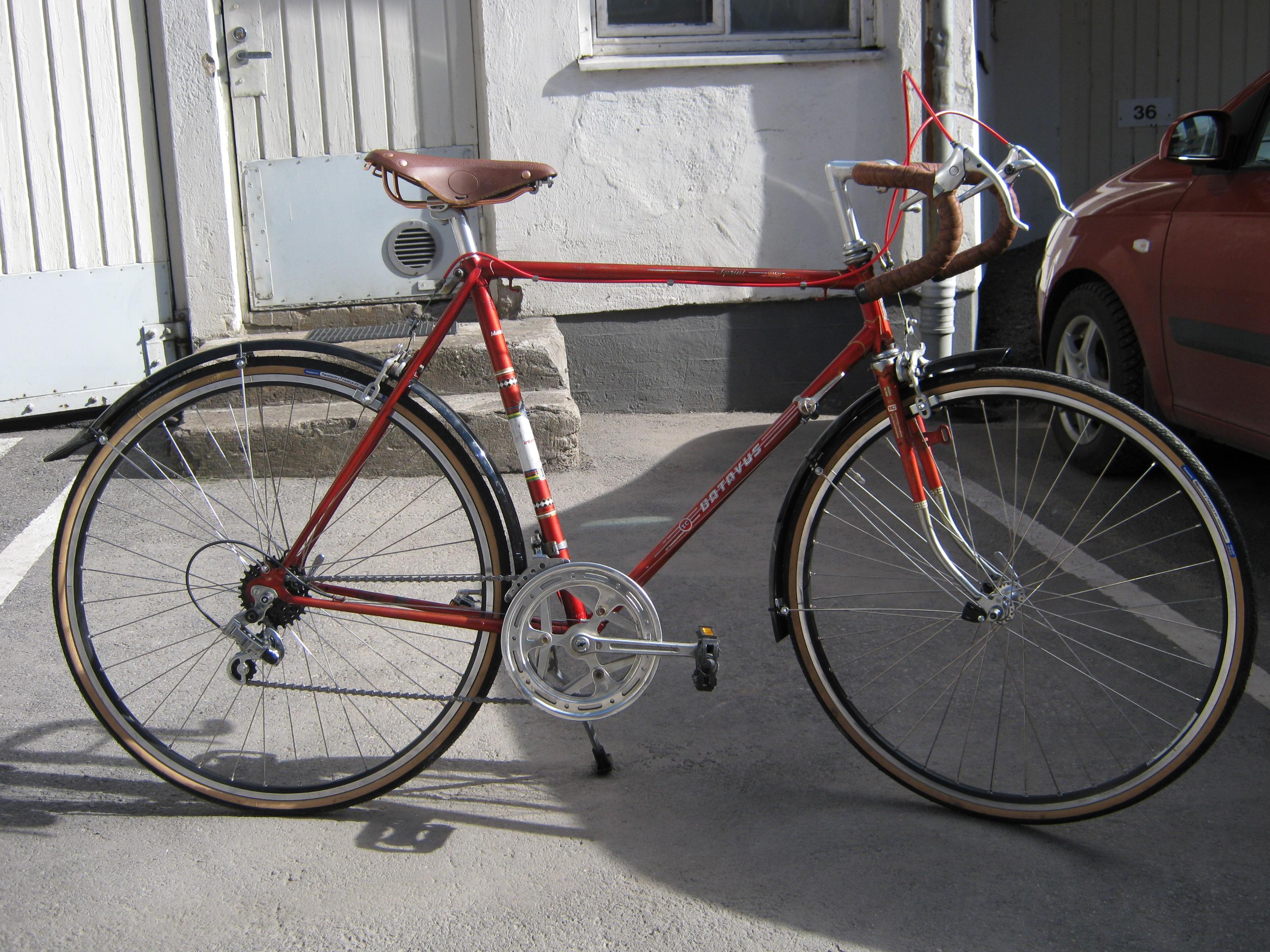 Myydään käytettyjä polkupyöriä